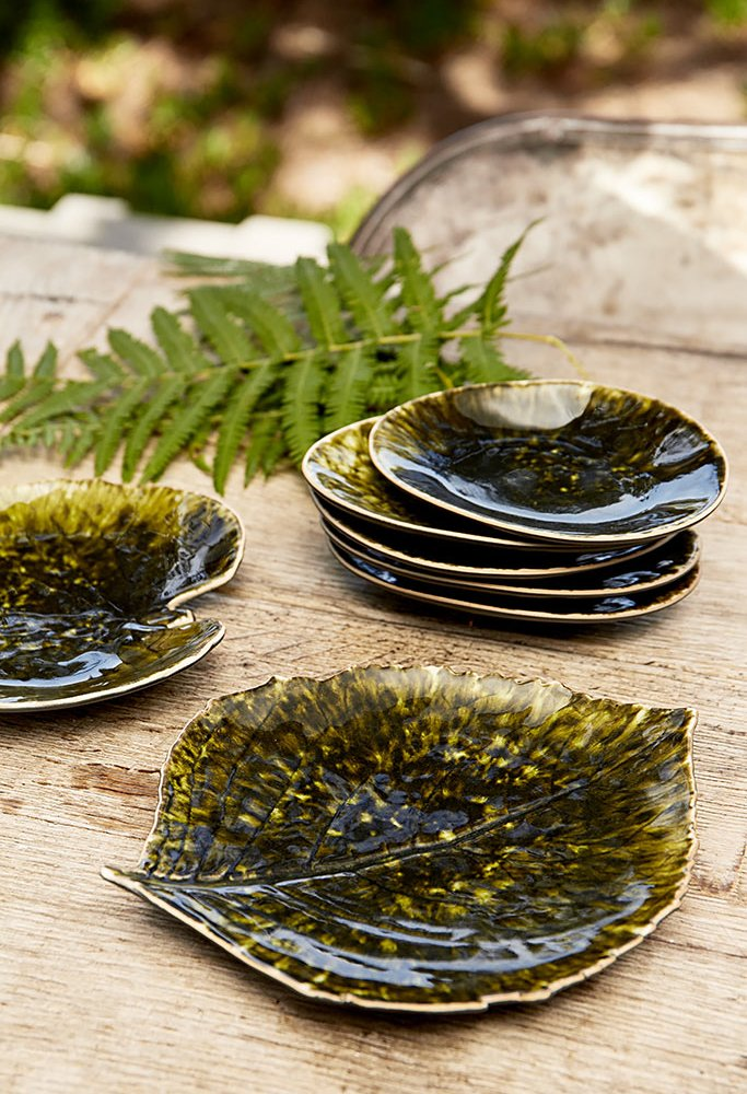 Forest Green Stoneware Alchemille Leaf Plate