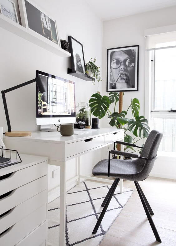 How to add home accessories to your home office?
