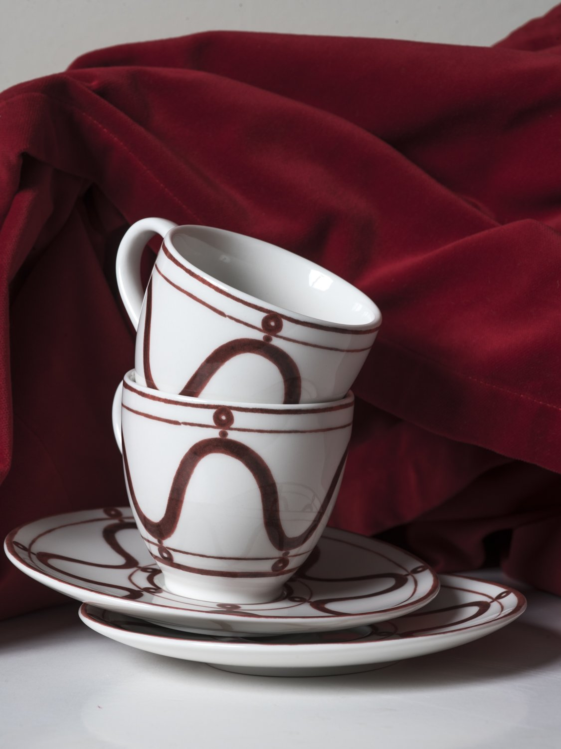 Serenity Burgundy on White Tea for Two Cup