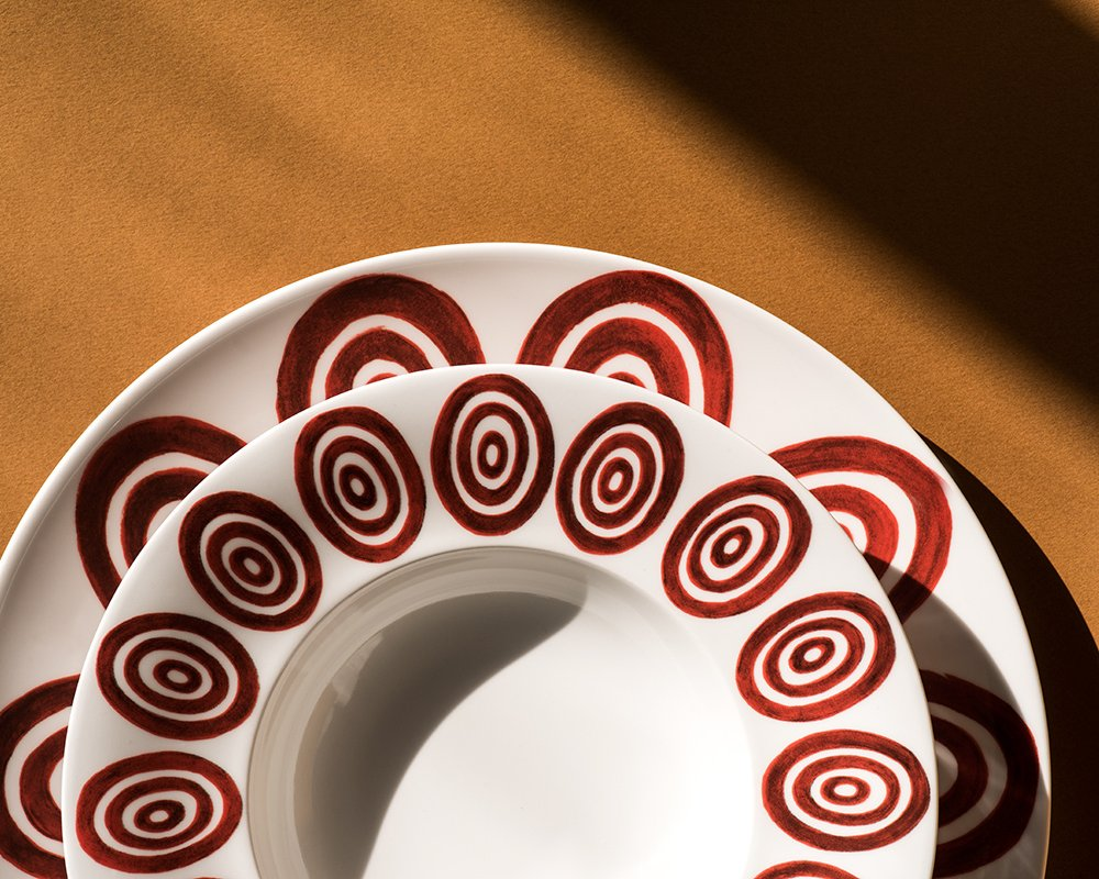 Kyklos Burgundy on White Dining Plate