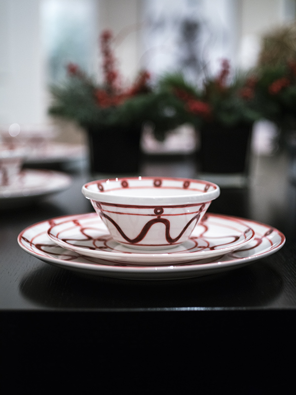 Serenity Burgundy on White Dessert Plate