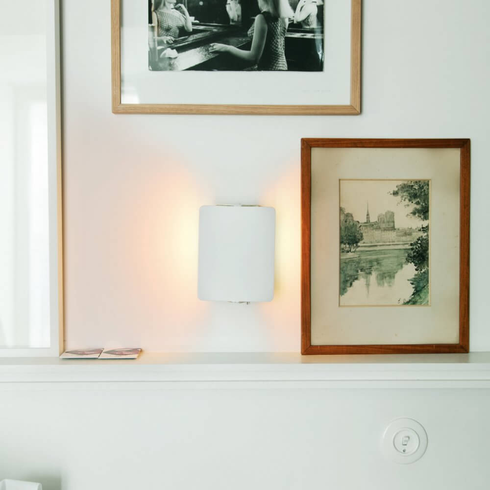 Wall Lamp – Applique à volant pivotant by Charlotte Perriand