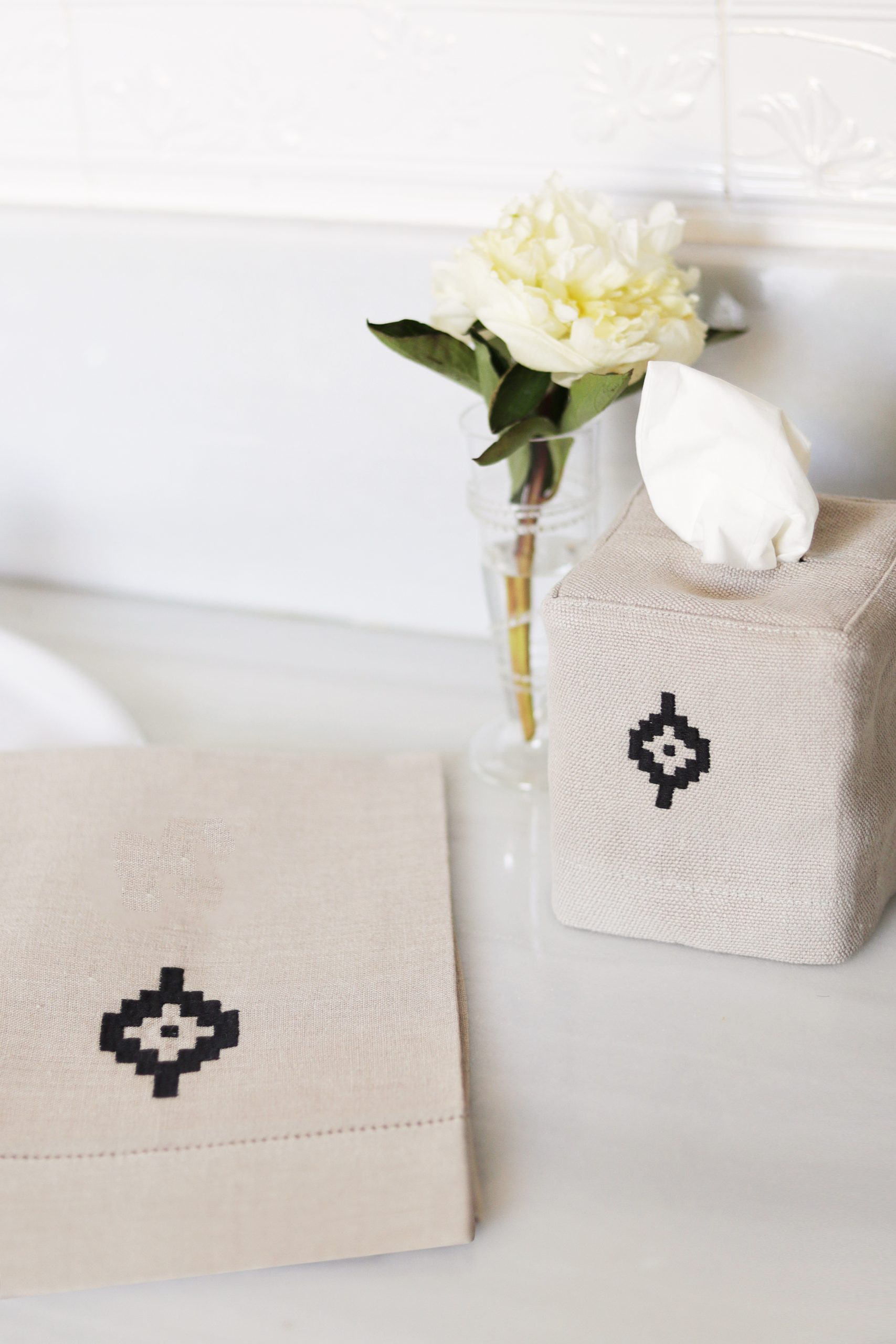Pampa Linen Tissue Box Cover – Natural