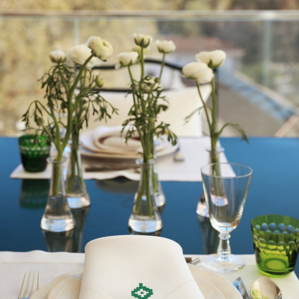 Pampa Linen Dining Set for 4 – White & Green