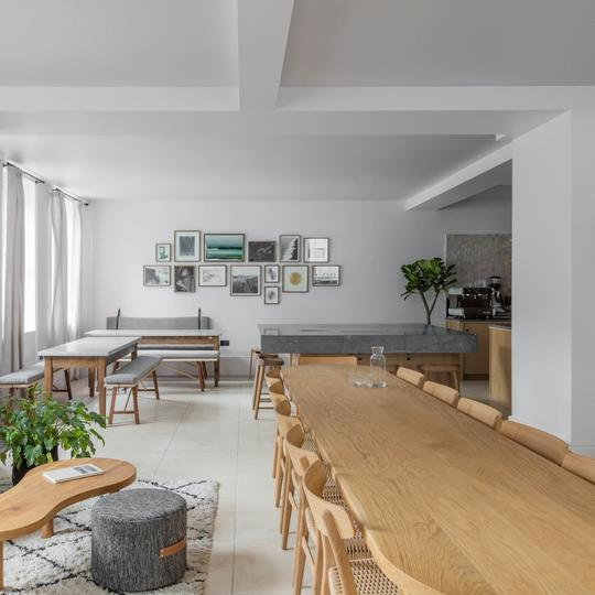 Share Dining Table